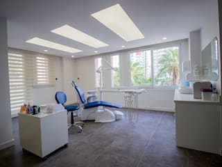 Modern clinics by Teknik Sanat İç Mimarlık Renovasyon Ltd. Şti. Modern