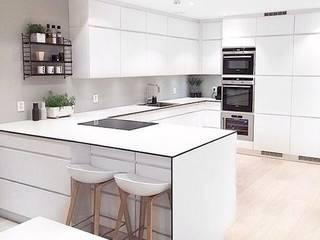 Diseños Modernos : Cocinas de estilo  por PROYECTOS EN MELAMINE