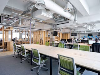 CLOUDFLARE:  Office buildings by CCWS Interiors Ltd,