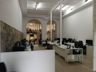 Reforma integral. Despacho profesional. Las Palmas de Gran Canaria Oficinas y tiendas de estilo mediterráneo de O2 eStudio BIM arquitectos S.L.P Mediterráneo