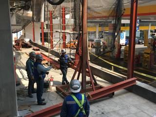 Balcon, Veranda & Terrasse industriels par Rado Construye Industriel