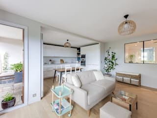 Living room by Créateurs d'Interieur, Scandinavian