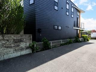STaD(株式会社鈴木貴博建築設計事務所) Eclectic style houses