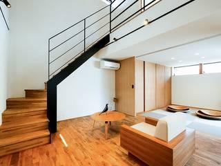 STaD(株式会社鈴木貴博建築設計事務所) Eclectic style living room