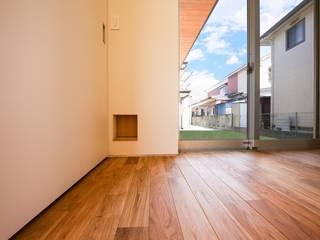 STaD(株式会社鈴木貴博建築設計事務所) Eclectic style doors