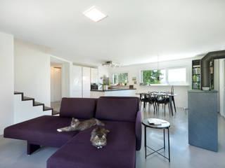 Kundenhaus U177 Moderne Wohnzimmer von TALBAU-Haus GmbH Modern