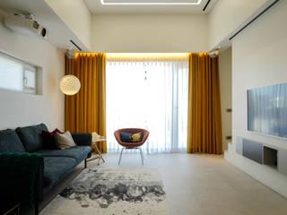 Salas modernas de 인우건축사사무소 Moderno