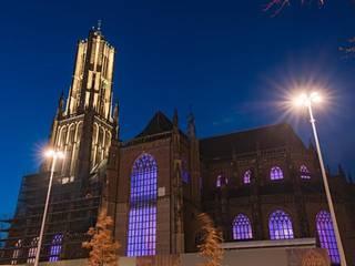Eusebiuskerk:  Huizen door Monumentaal Licht