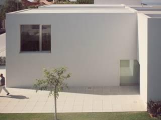 Nhà theo joão navas arquitectos, Hiện đại