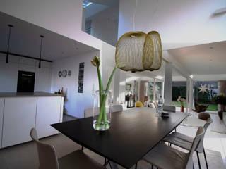 Umbau und Energetische Modernisierung eines EFH zum Effizienzhaus 115 Moderne Esszimmer von Architektur & Interior Modern