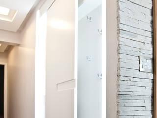 Halls e corredores Corredores, halls e escadas modernos por Cristina Reyes Design de Interiores Moderno