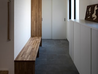 奈良法蓮町のマンションリフォーム モダンスタイルの 玄関&廊下&階段 の 一級建築士事務所 ノセ設計室 モダン
