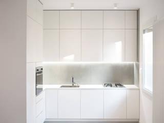 Built-in kitchens by studio conte architetti,