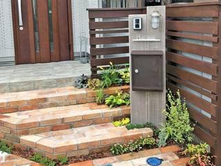 アイアンやクラシカルなレンガを使ったアンティーク感あふれるエクステリア の 匠ガーデン クラシック