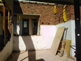 House Ravenscroft:   by Rykon Construction