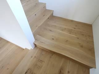 Escaleras de estilo  de Bolefloor , Moderno
