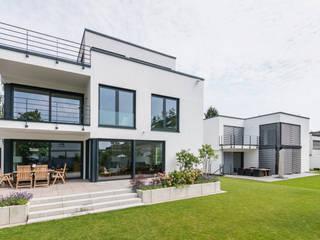 Сад в стиле модерн от Karl Kaffenberger Architektur | Einrichtung Модерн