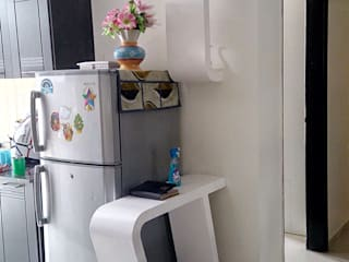 Residence -Noida:  Kitchen units by SHUFFLE DESIZN