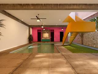 Laboratorio Mexicano de Arquitectura สระว่ายน้ำ คอนกรีต Pink
