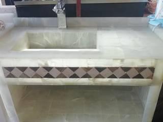 LAVABO DE ÓNIX CON ILUMINACIÓN Y EQUI´PADO PARA SU INSTALACIÓN de Muebles para baño ORSA Rústico