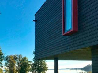 Casa Lago Puyehue: Casas unifamiliares de estilo  por BUVINIC ARQUITECTURA, Moderno