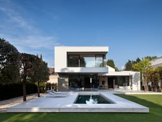 FFM-ARCHITEKTEN. Tovar + Tovar PartGmbB Garden Pool Concrete