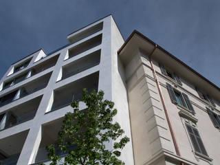 PAGURO Mino Caggiula Architects Balcone, Veranda & Terrazza in stile moderno