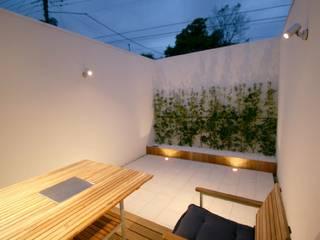 SO建築設計 住宅作品 オープンコートのあるガレージハウス の SO建築設計 モダン