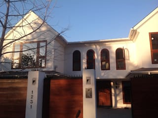 CASA GINKGO Casas de estilo clásico de ESTUDIO SUSTENTABLE Clásico