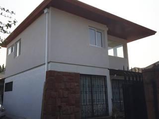 CASA COLEONE Casas de estilo ecléctico de ESTUDIO SUSTENTABLE Ecléctico