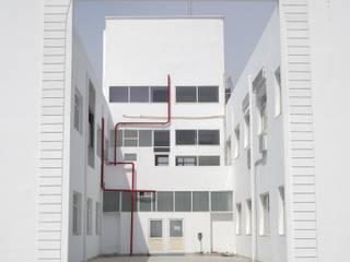 Manu Yantralaya by G.M. Architects Modern