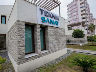 by Teknik Sanat İç Mimarlık Renovasyon Ltd. Şti. Modern