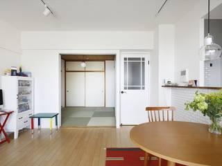 お気に入りが彩る白いキャンバス: 株式会社スタイル工房が手掛けたです。