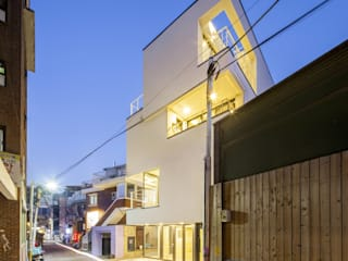 Modern houses by (주)건축사사무소 더함 / ThEPLus Architects Modern