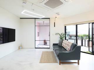 Salas modernas de 주택설계전문 디자인그룹 홈스타일토토 Moderno Azulejos