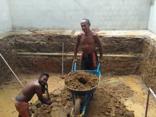 Escavação manual de piscinas em Fortaleza por Garoba: Escavação manual de piscinas em Fortaleza