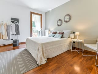 Home Staging a Mirano (VE) Camera da letto moderna di MICHELA AMADIO - Valorizza e Vendi Moderno