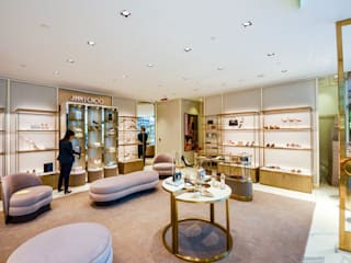 Jimmy Choo, Shop Floor Design:  Commercial Spaces by DMR DESIGN AND BUILD SDN. BHD.