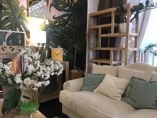 Nowoczesny salon w stylu naturalnym: styl , w kategorii  zaprojektowany przez Cudne Meble