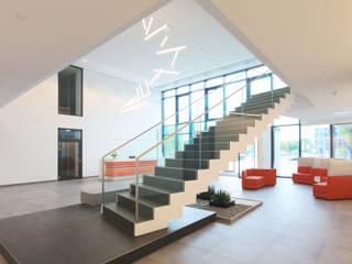 Expert SE Neubau Verwaltungsgebäude in Langenhagen Moderne Bürogebäude von Hannibal Innenarchitektur Modern