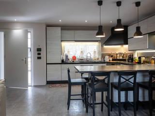 Cocinas modernas: Ideas, imágenes y decoración de Building Evolution Moderno