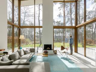 Villa Kerckebosch, Zeist:  Woonkamer door Engel Architecten, Modern