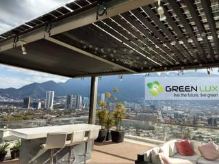 Pergola de 7.4 kW con paneles solares traslucidos de GreenLux