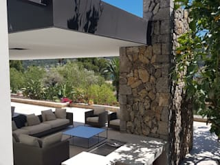 Porche Balcones y terrazas de estilo mediterráneo de Fincas Cassiopea Group / FCG Architects Mediterráneo