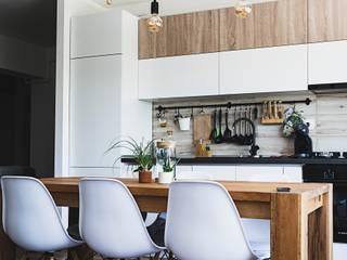 Reforma integral vivienda: Cocinas integrales de estilo  de LRF ,