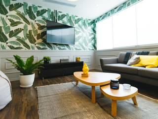 Reforma integral vivienda Salones de estilo moderno de LRF Moderno