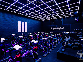 Modern gym by HARO SPACE DESIGN Modern