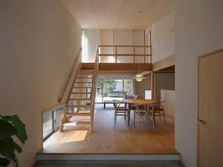 小倉の家: ミナトカズアキ建築工房が手掛けたリビングです。,