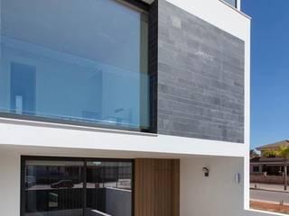 Vivienda Cobeña: Casas unifamilares de estilo  de Arte y Vida Arquitectura, Moderno