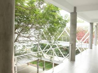 SUNSHIP:  Corridor & hallway by imago architecture+design,